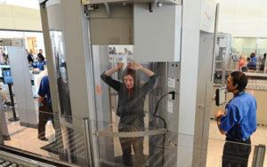 Control de seguridad en el aeropuerto - escáner