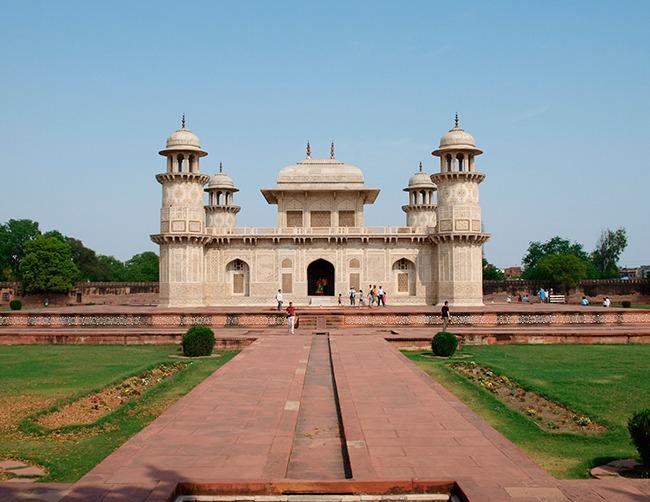 India-Tumba de Itmad-ud Daulah-que ver en el triángulo de oro