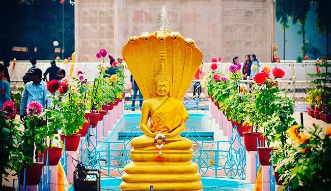 India-templosdeBenares-GrandVoyage