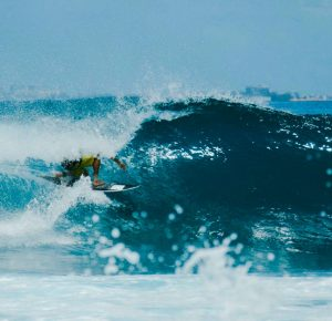 Qué hacer en Maldivas - surf