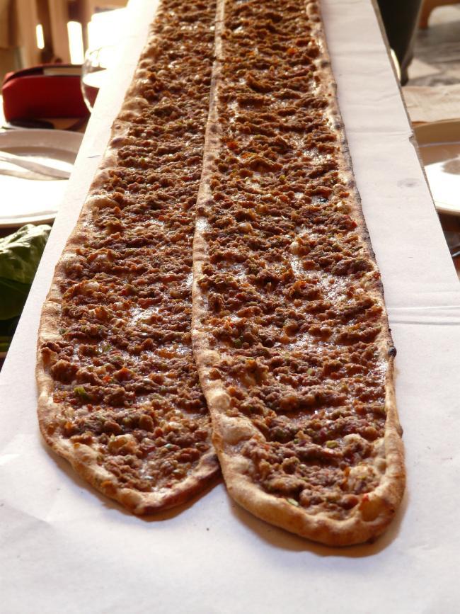Pide, la pizza que comer en Turquía