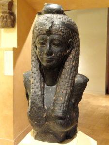 Estatua de Cleopatra en un museo