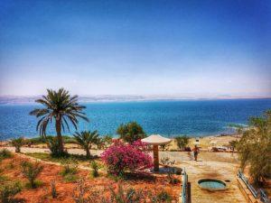 Playa en el Mar Muerto - Qué ver en Jordania