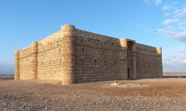 Castillo Kharana en el desierto de Jordania
